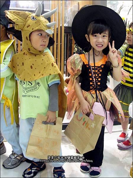 2012-1030-Yuki 4Y10M幼稚園第一次萬聖節 (26)