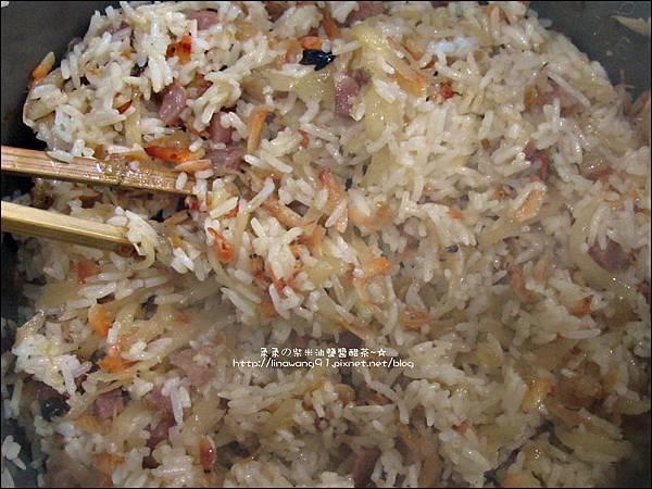 2012-0214-櫻花蝦香腸洋地瓜炊飯 (10)