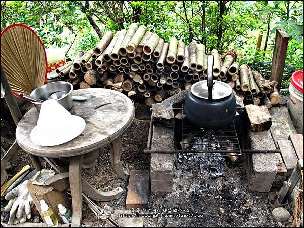 2012-0512-苗栗-獅潭-紙湖農場桶仔雞 (2)