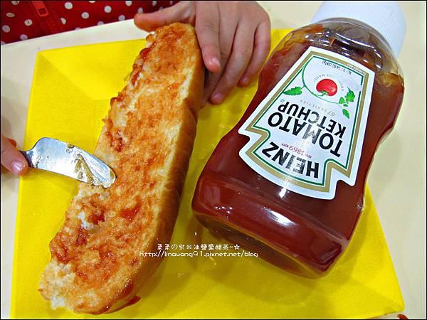 2012-1202-亨式番茄醬-小雞熱狗披蕯 (5)