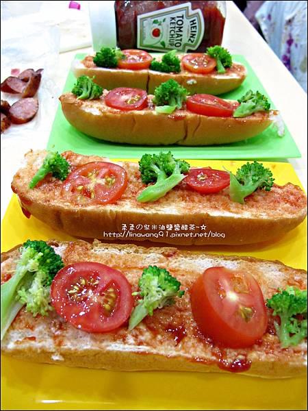 2012-1202-亨式番茄醬-小雞熱狗披蕯 (6)