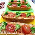 2012-1202-亨式番茄醬-小鴨大享堡披蕯 (6)