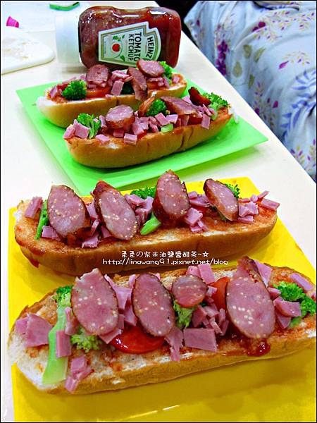 2012-1202-亨式番茄醬-小雞熱狗披蕯 (7)