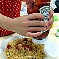 2012-1202-亨式番茄醬-蜜蜂拌麵大亨堡 (8)