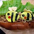 2012-1202-亨式番茄醬-蜜蜂拌麵大享堡 (11)