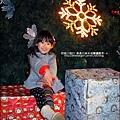 2012-1208-台南文學館聖誕樹 (2)
