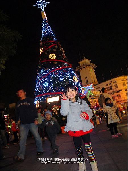 2012-1208-台南文學館聖誕樹 (3)
