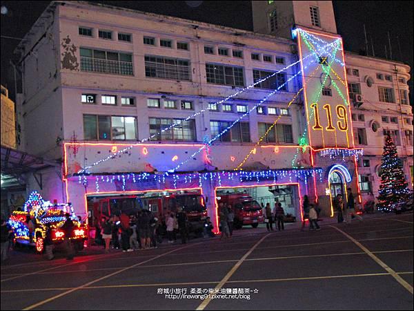2012-1208-台南文學館聖誕樹 (9)