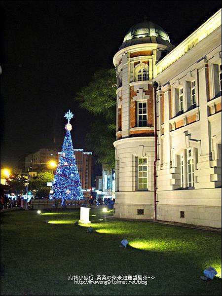 2012-1208-台南文學館聖誕樹