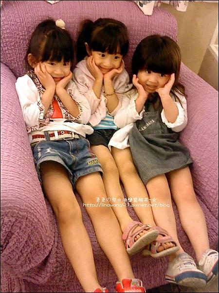 2012-0819-Yuki 4Y7M逛HOLLA