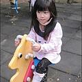 2012-1107-幼稚園中班上學期-美麗的衣牚-Yuki 4Y10M (1)