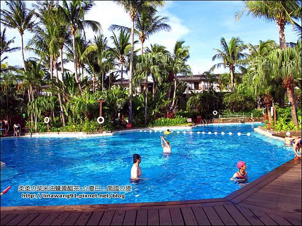 2013-0612-墾丁凱撒大飯店-椰林游池 (1)