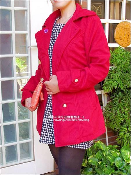 2013-1026-OB嚴選-皇家質感雙排釦毛呢腰綁帶長版外套 (1).jpg