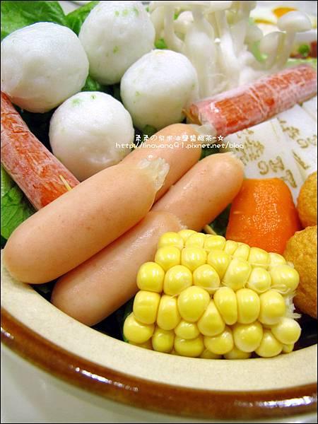 2013-1212-桂冠-明太子魚香腸火鍋 (2).jpg