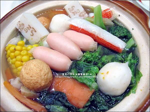 2013-1212-桂冠-明太子魚香腸火鍋 (4).jpg