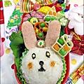 2013-1212-小兔子過聖誕便當 (10).jpg