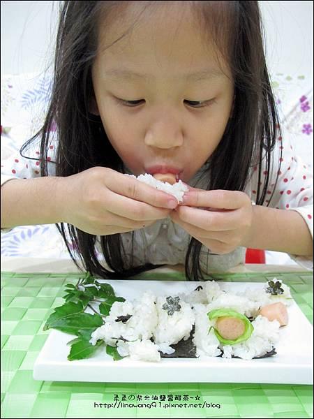 2013-1213-桂冠-明太子魚香腸飯糰 (5).jpg