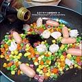 2013-1212-桂冠-蠔油明太子魚香腸燴飯 (2).jpg