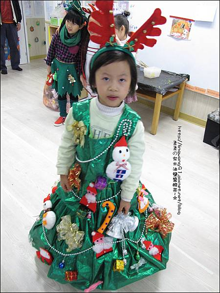 2013-1221-Yuki 5Y11M-幼稚園聖誕服裝秀 (7).jpg