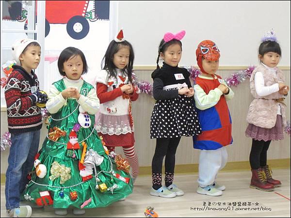 2013-1221-Yuki 5Y11M-幼稚園聖誕服裝秀 (18).jpg