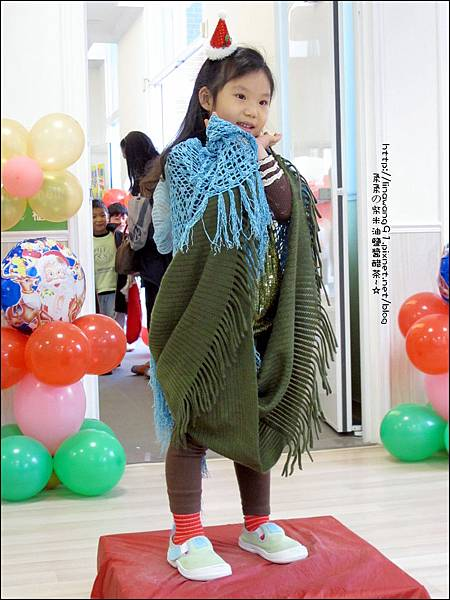 2013-1221-Yuki 5Y11M-幼稚園聖誕服裝秀 (24).jpg
