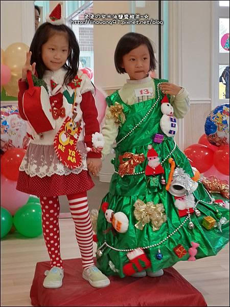 2013-1221-Yuki 5Y11M-幼稚園聖誕服裝秀 (31).jpg