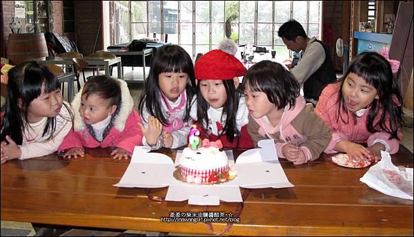 2013-1221-苗栗-泉井牧場-Yuki慶6歲生日 (39).jpg