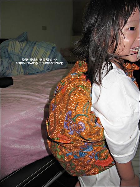 2010-0628-Yuki 2歲半睡覺的習慣 (3).jpg