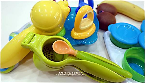 2014-0728-Nuby 鮮果園系列-蔬果泥擠壓器 (2).jpg