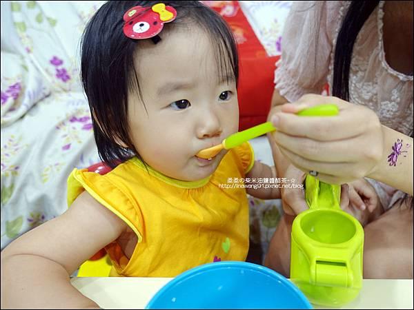 2014-0728-Nuby 鮮果園系列-蔬果泥擠壓器 (6).jpg