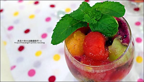 2014-0801-夏日甜點-水果球汽水 (2).jpg