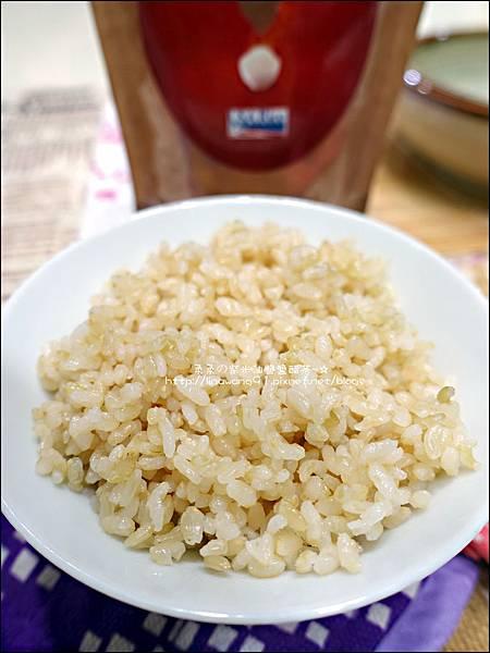 2015-1203-美國米-糙米-越光米-洋地瓜香腸炊飯 (11).jpg