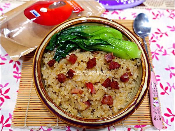 2015-1203-美國米-糙米-越光米-洋地瓜香腸炊飯 (15).jpg