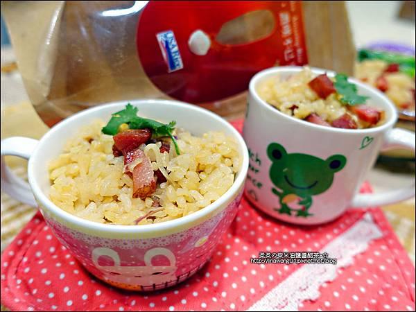 2015-1203-美國米-糙米-越光米-洋地瓜香腸炊飯 (17).jpg