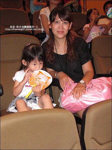2010-0717 -Yuki2Y6M第一去看巧虎舞台劇.jpg