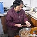 大陸-青島-三嫂做豬肉白菜餃子.jpg