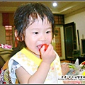 YUKI吃番茄.jpg