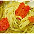 坎佩尼亞義大利麵醬組合試吃-義大利麵兒童餐加可愛的梳菜模型.jpg