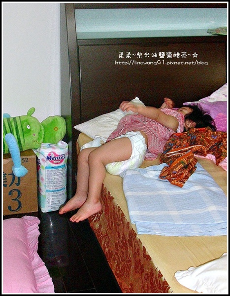 1歲半yuki的睡相.jpg