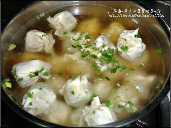 2009-1222-冬至吃雲吞湯圓 (2).jpg