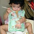2009-0711-1歲6個半月第一次吃米粉.jpg
