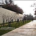 2010-0131-玻璃工藝博物館紅色和服外拍 (3).jpg