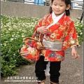2010-0131-玻璃工藝博物館紅色和服外拍 (9).jpg