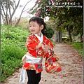 2010-0131-玻璃工藝博物館紅色和服外拍 (13).jpg