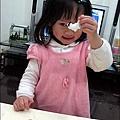 YUKI-2歲3個月玩黏土2010-0409 (5).jpg
