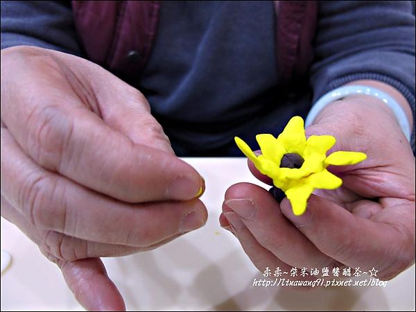 YUKI-2歲3個月玩黏土2010-0409 (9).jpg