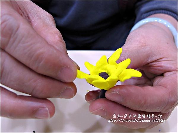 YUKI-2歲3個月玩黏土2010-0409 (10).jpg