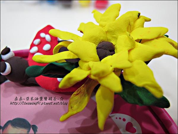 YUKI-2歲3個月玩黏土2010-0409 (15).jpg