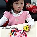 YUKI-2歲3個月玩黏土2010-0409 (22).jpg