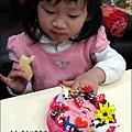 YUKI-2歲3個月玩黏土2010-0409 (20).jpg